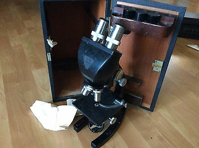 BAUSCH & LOMB 3-OBJECTIVE MICROSCOPE with original wooden  case