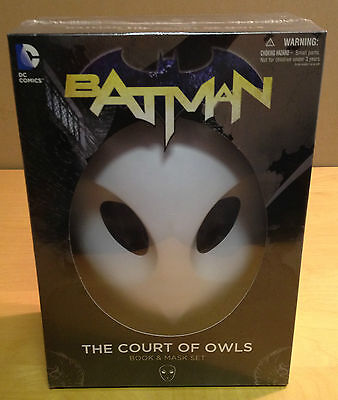 Batman The Court Of Owls - Book & Mask Set Dc Comic New & Sealed