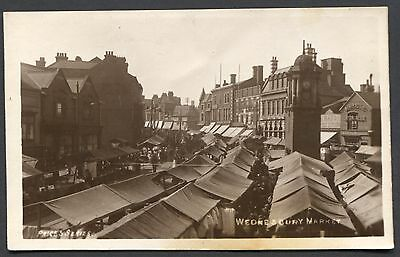 STAFFORDSHIRE - REAL PHOTO PCARD - WEDNESBURY MARKET - POSTED 1920s