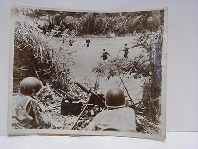 WWII Large Press Photograph - soldiers with auto gun covering river crossing