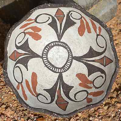 ZUNI PUEBLO Vintage Polychrome Black and Red on White Bowl c.1910