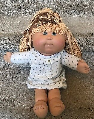 2007 Cabbage Patch Play Along Female Doll Brown Blonde Hair 16""