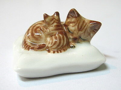 Hand Painted Miniature Collectible Ceramic Porcelain Siamese Cat FIGURINE