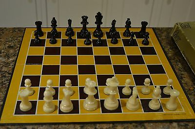 Vintage chess set - weighted and felted pieces Staunton design by Waddington