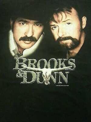 Brooks and Dunn t-shirt size L