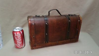 """377D Vtg Antq Small Curved Wood Suitcase/Overnight/Luggage 13 1/2"""" x 8"""" Tall"""