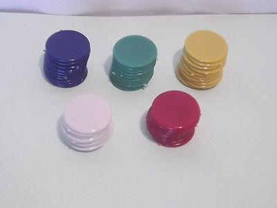 50 x 22mm PLASTIC COUNTERS - FIVE COLOURS - TIDDLY WINKS / BOARD GAMES