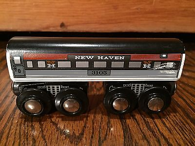 Lot 4 Lionel Heritage Wooden Magnetic New Haven Train Cars Brio Very Rare HTF