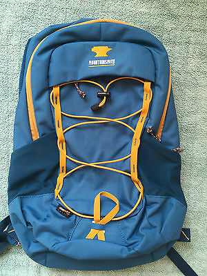 Mountainsmith Clear Creek 18L backpack daysack rucksack New