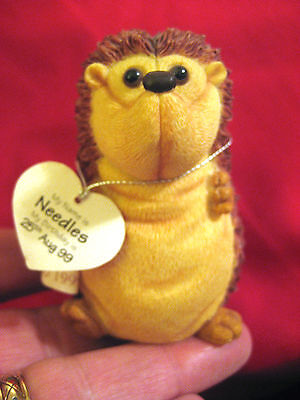 Collectible 1999 Treasured Pals Collection Needles The Hedgehog Figure ( Nnn )