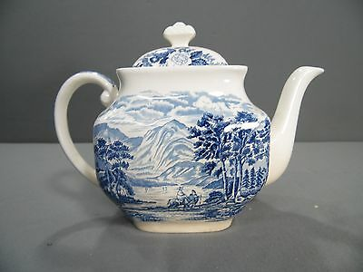 ROYAL WARWICK china LOCHS OF SCOTLAND blue pattern TEAPOT with LID 38 oz. Lomond