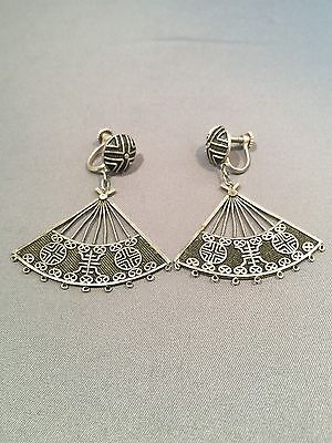 Vintage Chinese Silver Filigree Silver Earrings Screw back.