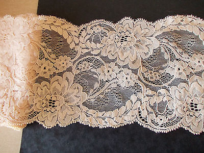 2.9M Very Pale Creamy Peach fine off-set floral net style shaped lace