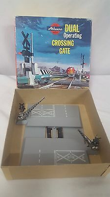 Athearn HO Gauge Dual Operating Crossing Gate 3150 1:98