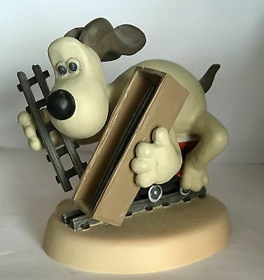Robert Harrop Wallace & Gromit :  Gromit Train Chase 'the Wrong Trousers' Wgyp02