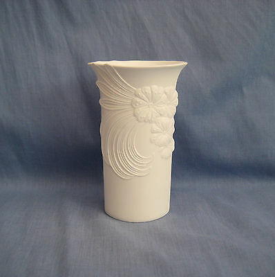 Kaiser VASE by M FREY - WHITE BISQUE PORCELAIN - 15 cm h - PERFECT - FREE UK P&P