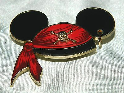 Disney Red Bandanna Mickey Mouse Ear Hat Pirates of the Caribbean Pin 47059 '06