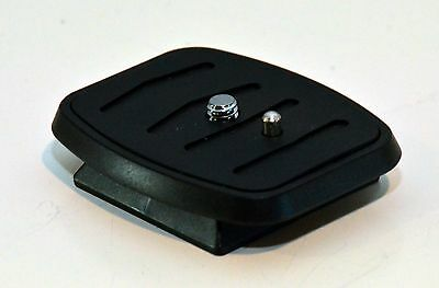 """Quick Release Plate for Amazon Basics 60"""" Tripods"""