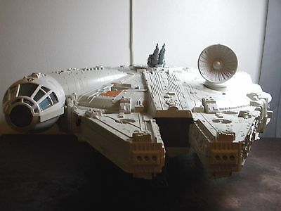 Vintage Star Wars Millennium Falcon Complete 1979 with Box & 5 figures