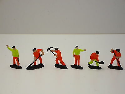 **  Work  Gang  2  **  6  Figures  Very  Good  Condition