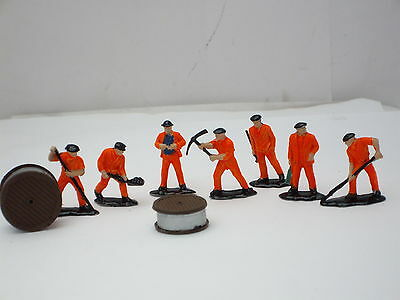 *  Network  Rail  *  Cable  Laying  Gang  7  Figures  Very  Good  Condition