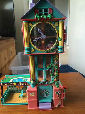 Teeny Weeny Families Grand father clock hotel Polly pocket