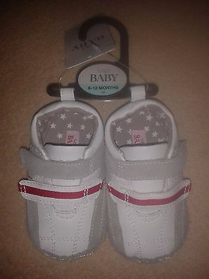 Marks And Spencer Baby Leather Pram Shoes Age 6-12 Months