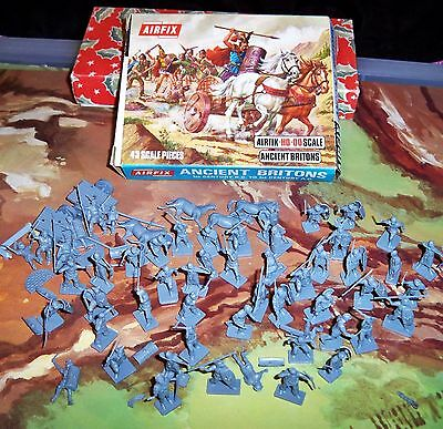Airfix boxed H0 & 00 scale Ancient Britons with extra Romans inside S34 - 59