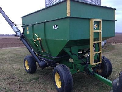 J&M 250-7 Gravity Bed / 1065 JD Running Gears / Unverferth Box Auger Seed Tender