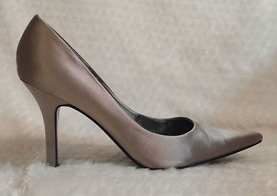 Nine West Barbe Pointed Toe Pumps Light Grey Satin Size US 7.5M
