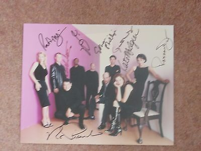 """Star Trek Voyager """"the Pink"""" cast photo with 6 main cast autographs."""