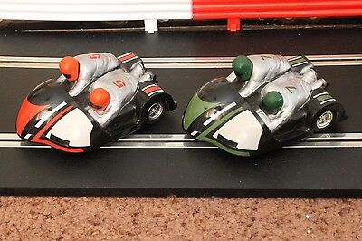 2 Scalextric Motorcycle Motorbike Sidecars Green + Red C281 Good Condition