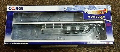 Corgi 1:50 Tri Axle Flatbed Trailer Model White
