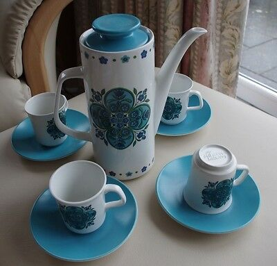 Retro Coffee Pot J & G Meakin with 4 cups and saucers