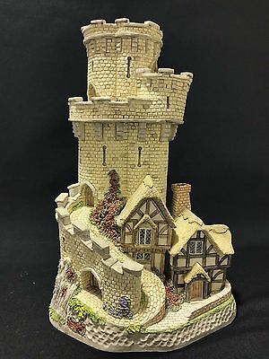 The Castle Cottage of Warwick David Winter Cottages in-Box w/ C.O.A Carnival '93