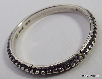 Sterling Silver Waldeck Jewelry Delicate Stackable Ring Band - Size 6 - 1.1g