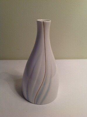 Collectable Royal Doulton Impressions By Gerald Gullota Willow Wisp Vase 1982