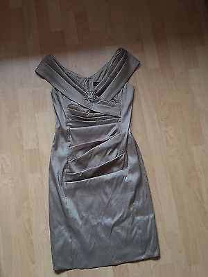 Ladies Gold Cocktail Dress Ruched Midi Body Con. Brooch Detail 12 MINT cond.