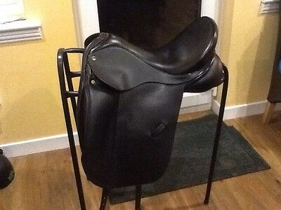 ideal suzannah dressage saddle 17 inch med wide plus