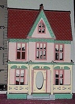 Christmas 1996 Hallmark VICTORIAN LADY: Nostalgic Houses & Shops: Ornament