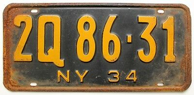 Old Rusty New York 1934 License Plate, 2Q 86-31, Depression-Era Antique