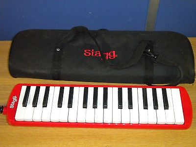 Stagg MELOSTA32 PK/BL 32 Note Melodica with Case light used