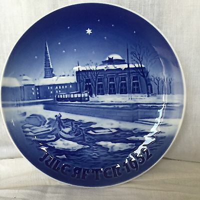 """Bing & Grondahl Xmas Plate 1952 """"old Copenhagen Canal""""  Excellent Condition"""