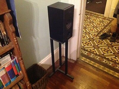 Mordant Short  MS 3.20 speakers and stands