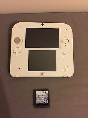 Nintendo 2DS White with 1 Game