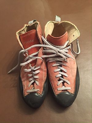 Climbing Shoes Size 9  Lace Up ASOLO