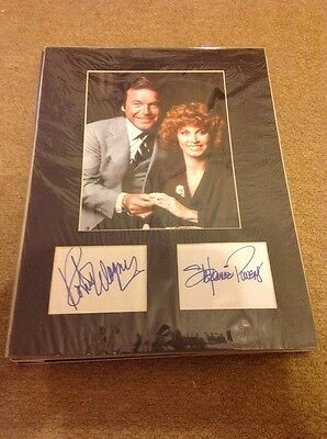 Hart To Hart    -  Fully Signed Cards - Matted + Photo - Uacc  Coa