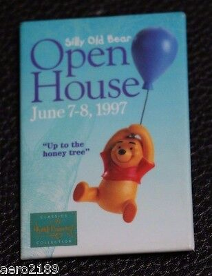 """WDCC Silly Old Bear Open House Event Disney pin """"Up to the Honey Tree"""""""