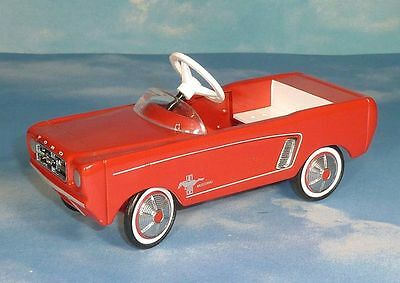 Hallmark 1964 1/2 Ford Mustang Kiddie Car Classics * Die Cast Pedal Car Replica