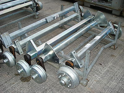 1300 kg SuperRide Axle with Side mount brackets - 5 x M12 on 112 PCD
